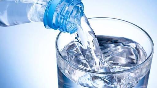 Terlalu Banyak Mengkonsumsi Air Putih Dapat Menimbulkan Penyakit ? Ini Penjelasannya