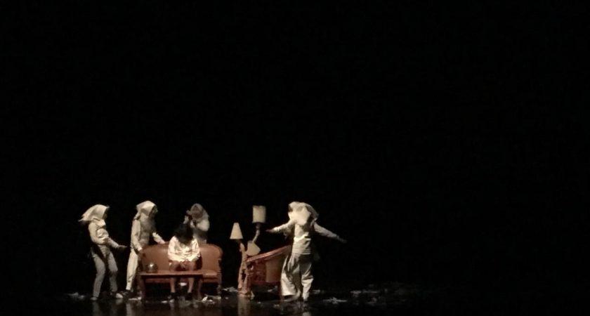 Teater Lingkar Ajak Masyarakat Waspada Hoaks Lewat Pementasan